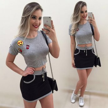 Conjunto Cropped Patch Blusa e Saia