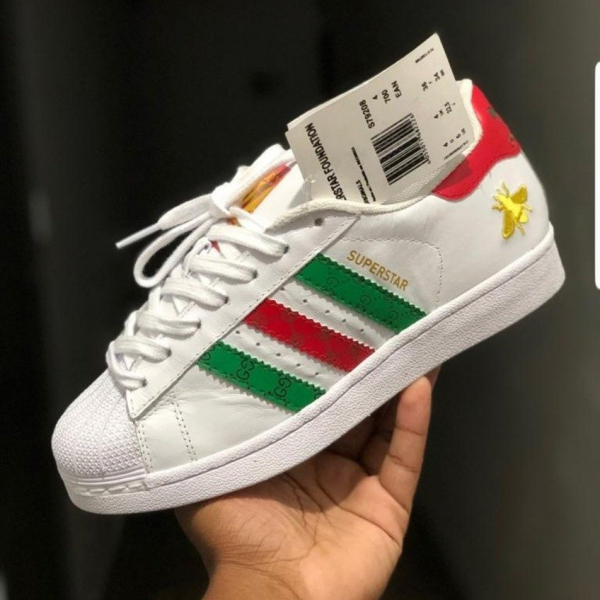 Tênis Adidas Superstar Gucci